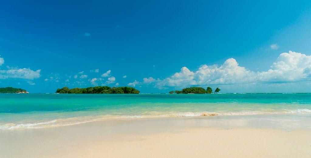 Playas de arena blanca y aguas turquesas te esperan