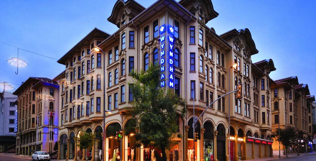 Descansa en el Wyndham Istanbul Old City 5*