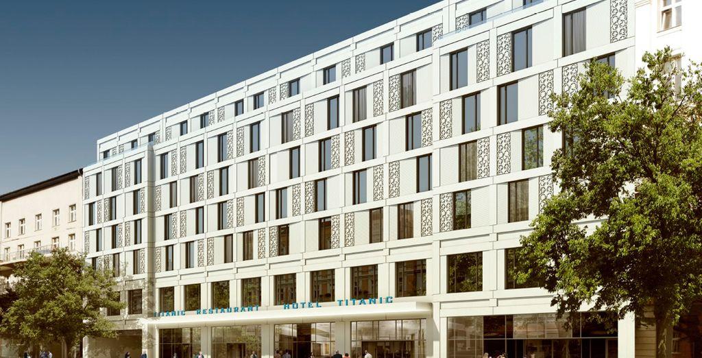 Un hotel moderno en el centro de la ciudad - Titanic Chaussee Berlin 4* Berlín
