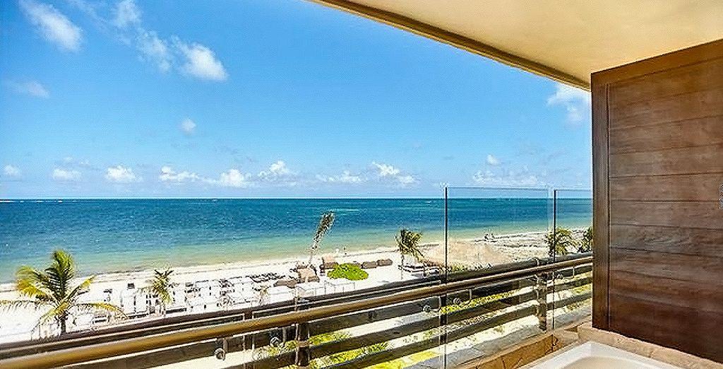 Ou préférez la Luxury Suite Ocean View With Terrace Jacuzzi