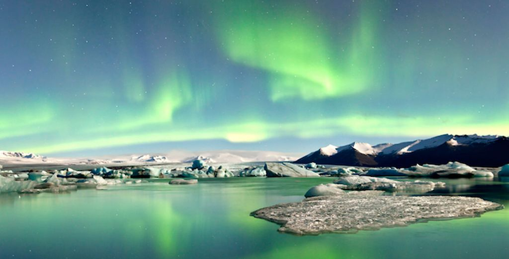 Gaze at nature's amazing lightshow - Radisson Blu Saga 4* Reykjavik