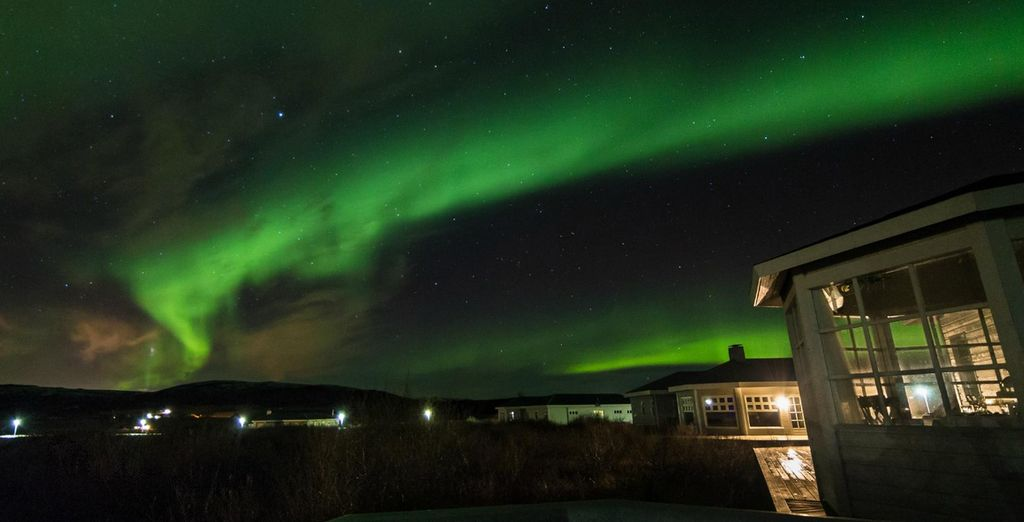You're perfectly placed to try and catch the Northern Lights without even leaving your hotel! - Hotel Grimsborgir 4* Keflavik