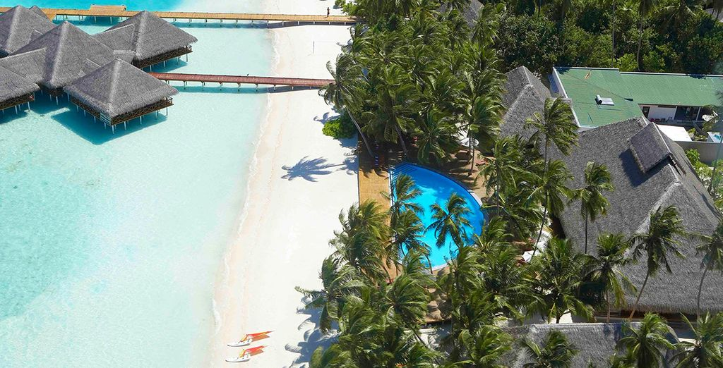 Located right on the edge of the sands - Medhufushi Island Resort 4* Male