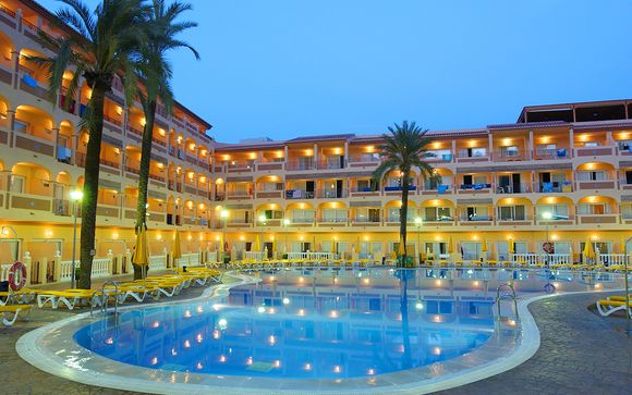 Hotel Bahía Tropical 4*