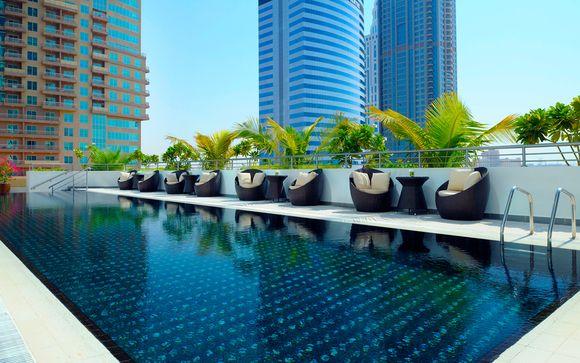 Hotel Mövenpick Jumeirah Lakes Tower 5*