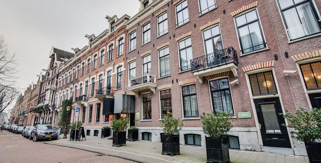 In einem für Amsterdam typischen Gebäude