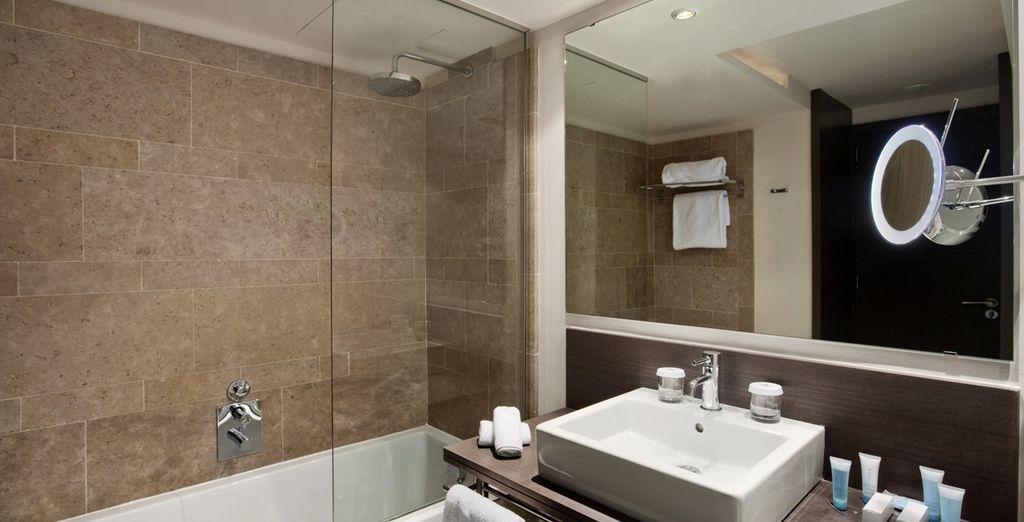 Mit funktionalem Badezimmer