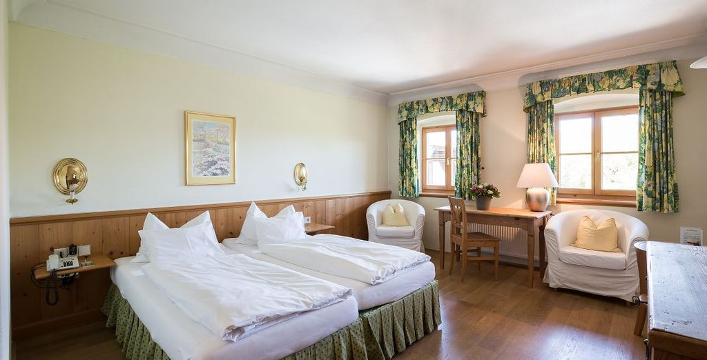 Beziehen Sie ein schönes Standard Zimmer Tiefenbach