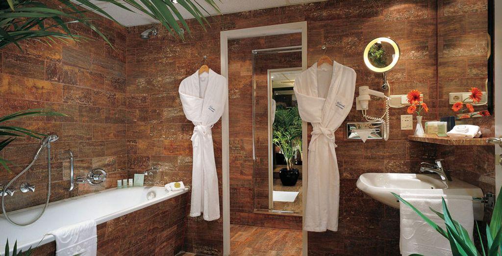 ... mit voll ausgestattetem Badezimmer