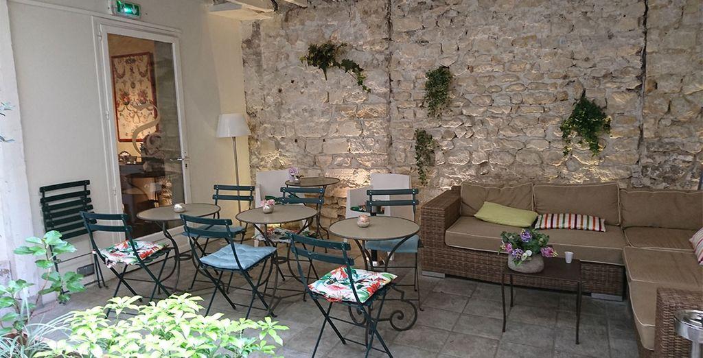 Wir heißen Sie herlich willkommen im Hotel De Sèvres 3*!
