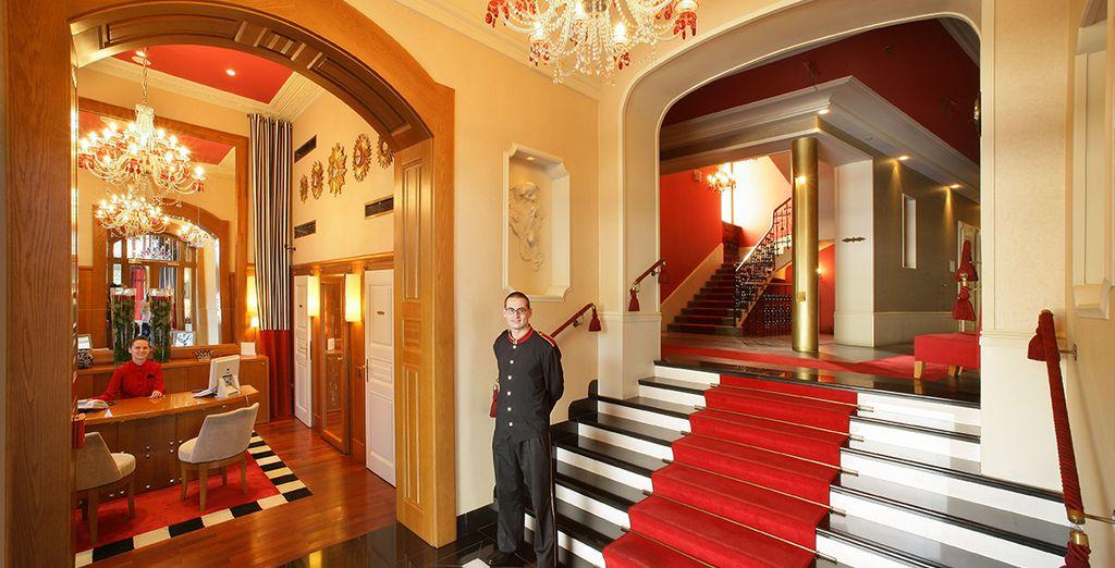 Elegante Lobby und 5-Sterne Service