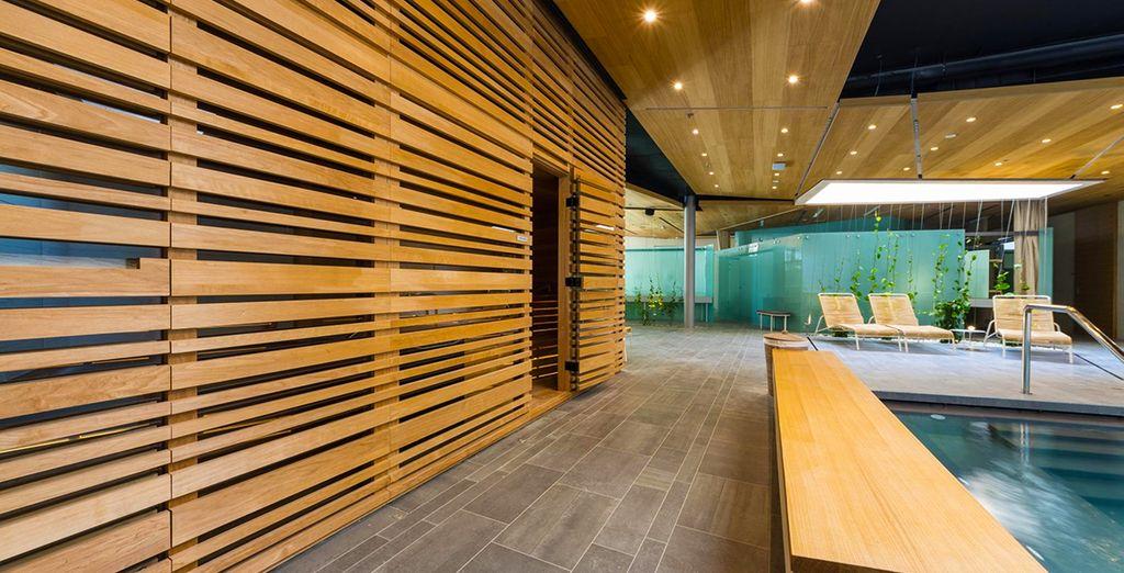 Dieses minimalistisch gestaltete Hotel bietet eine Reihe von luxuriösen Einrichtungen