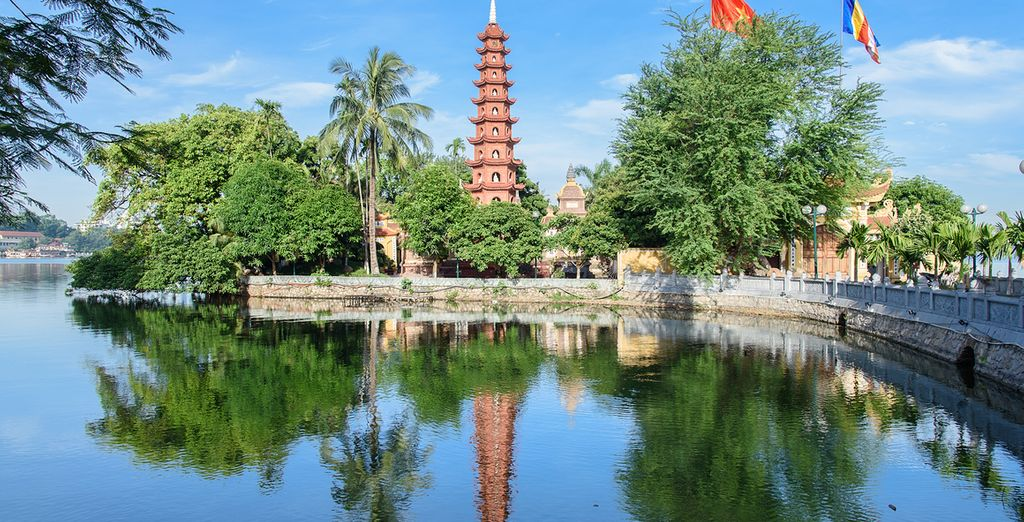 Die Tran Quoc Pagode ist Hanois älteste Pagode am Westsee