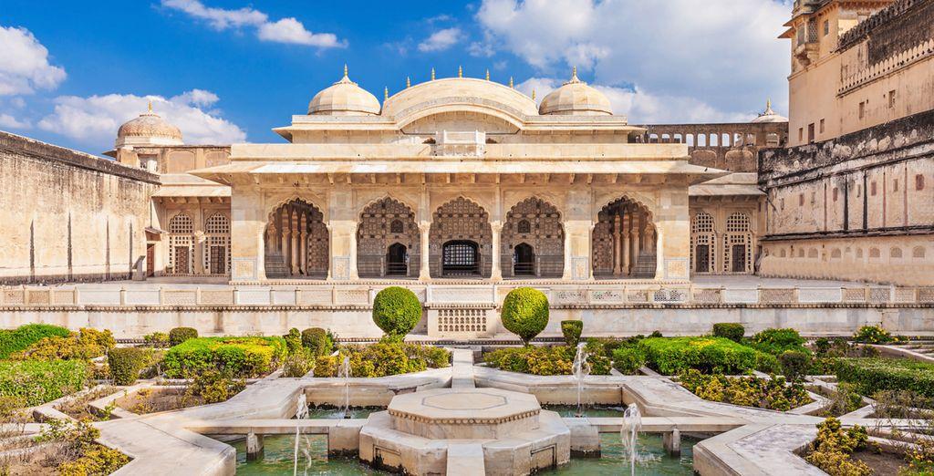 Bestaunen Sie die Schönheit der antiken Paläste