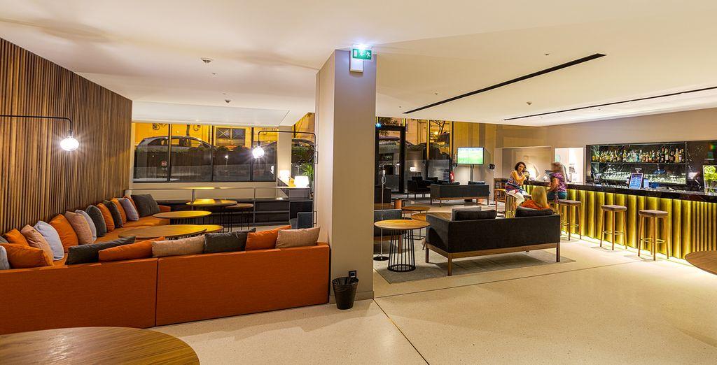Kehren Sie am Abend zu Ihrem Hotel zurück um einen erfrischenden Cocktail zu genießen