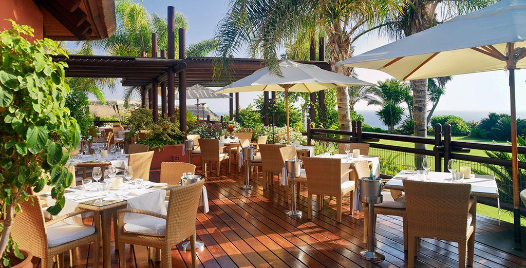 Genießen Sie den Ausblick vom Mirador Restaurant