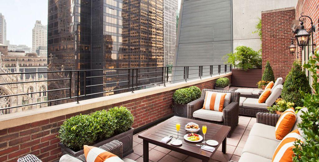 Tolle Ausblicke auf Manhattan von der Dachterrasse im 17. Stock!