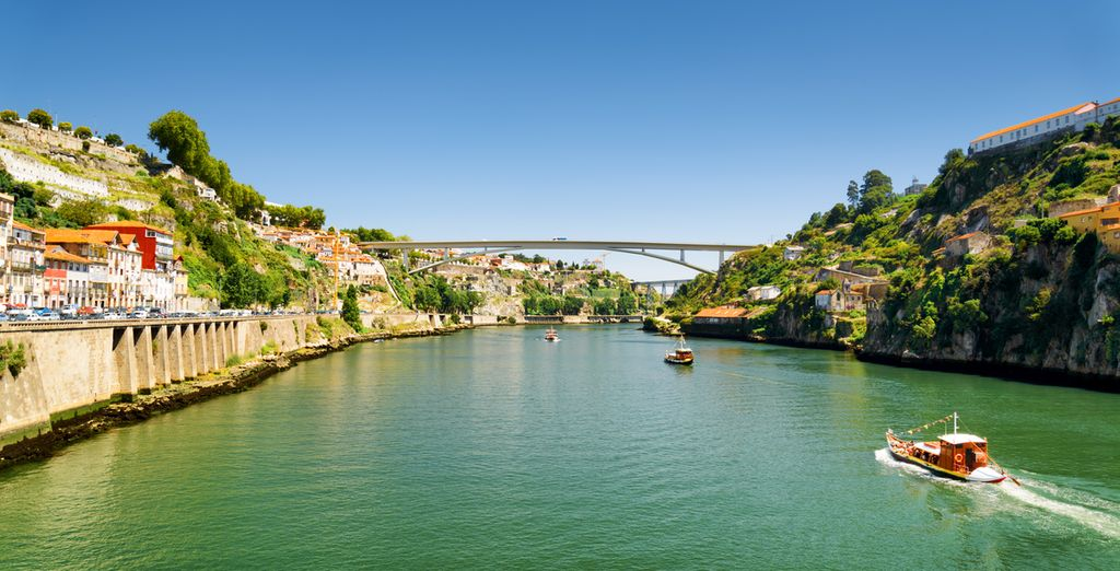 Beginnen Sie Ihre Reise in der Ufergegend Portos