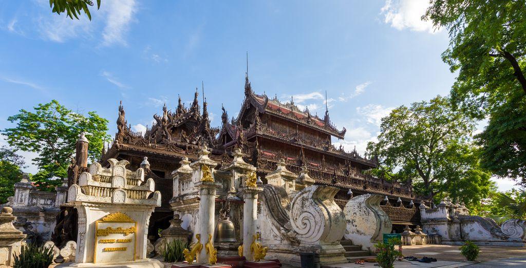Bewundern Sie das Kloster Shwenandaw bekannt für seine schönen Holzschnitzereien