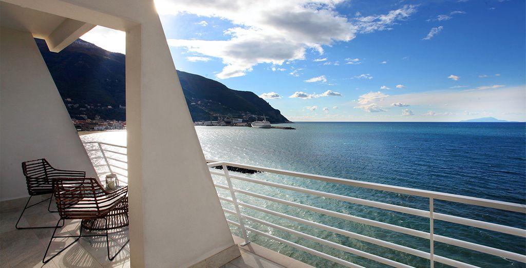 mit einem offenen Balkon auf dem Meer!