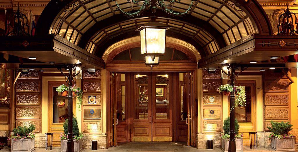 Ein architektonisches Juwel, von der Inneneinrichtung bis hin zur majestätischen Fassade