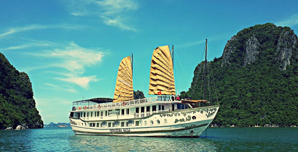 In Ha Long begeben Sie sich auf eine 4* oder 5* Bootsfahrt