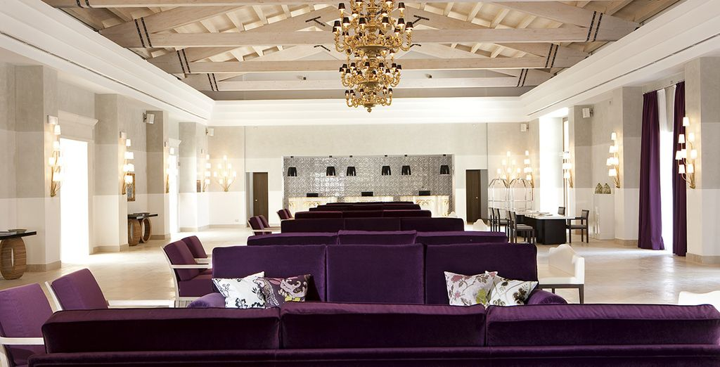 Entdecken Sie die Innenräume mit modernem Dekor...