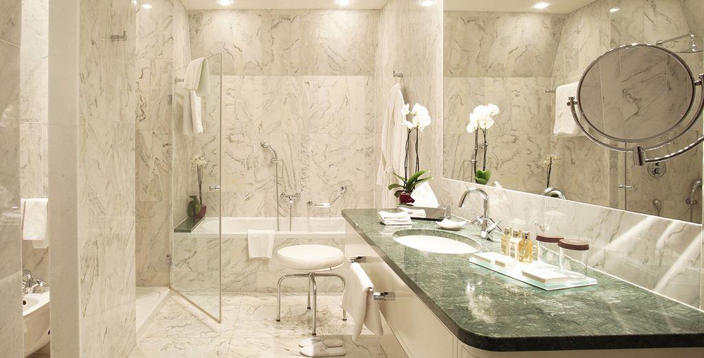 Und schönem Badezimmer