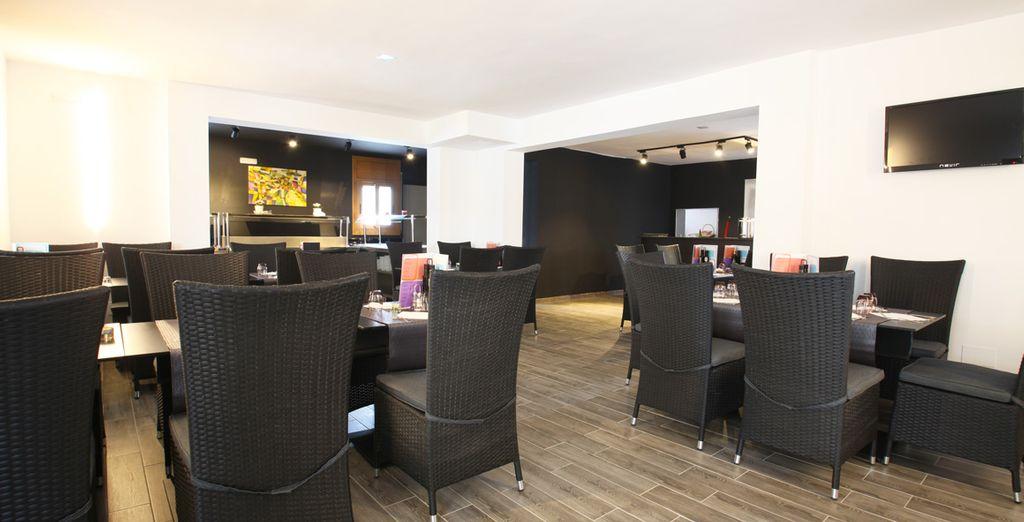 Das Hotelrestaurant glänzt mit modernem Design