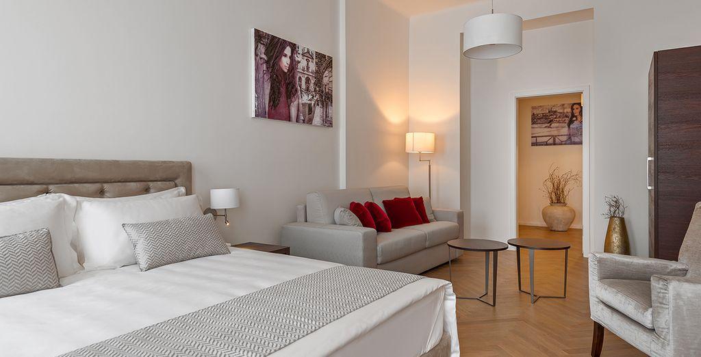 Oder einer Junior Suite, elegant und geräumig, perfekt für mehrere Personen