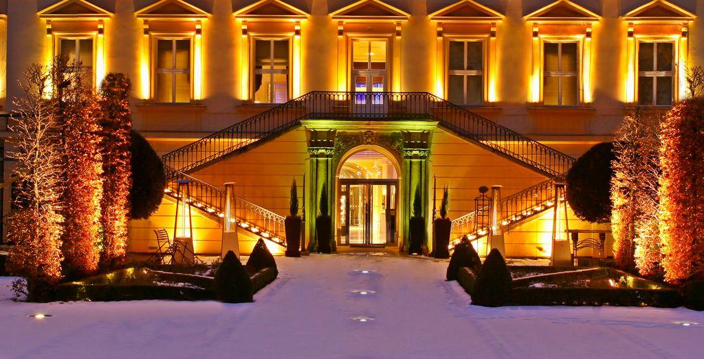 Herzlich willkommen im Grand Mark Hotel 5*