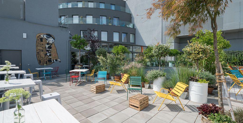 Gönnen Sie sich ein Gläschen im Dachgarten
