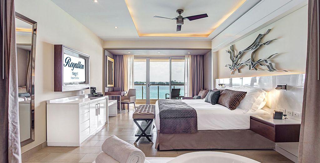 Sie übernachten in einer  Luxury Junior Suite mit Meerblick