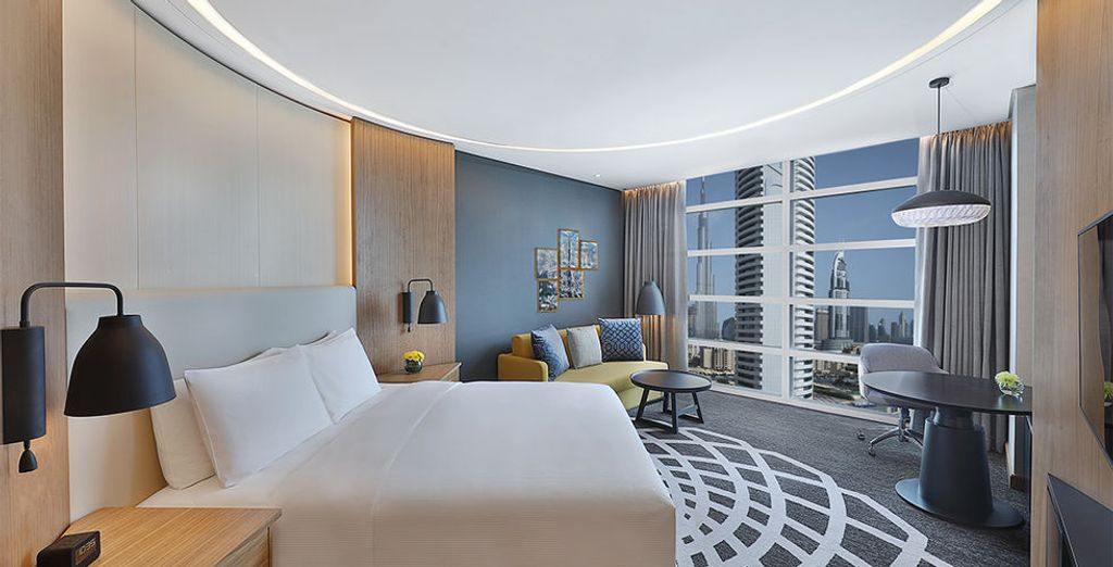 Sie übernachten in einem King Guest Zimmer mit Blick auf die Burj Khalifa
