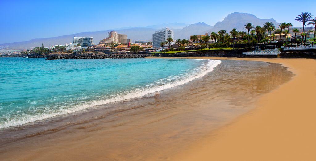 Con sus playas de arena dorada...