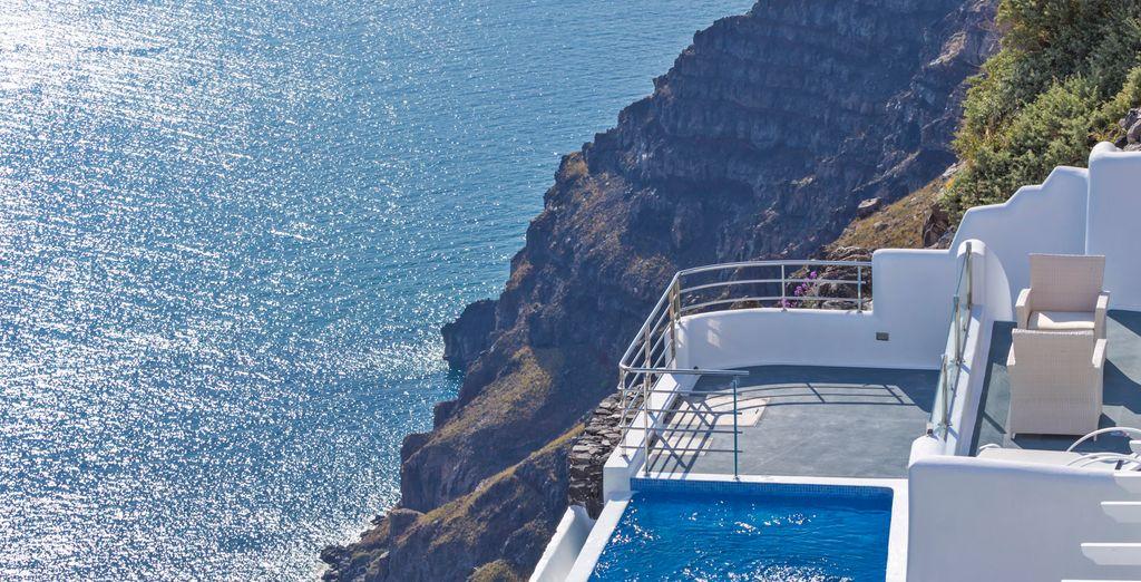Con su maravillorsa piscina en la terraza