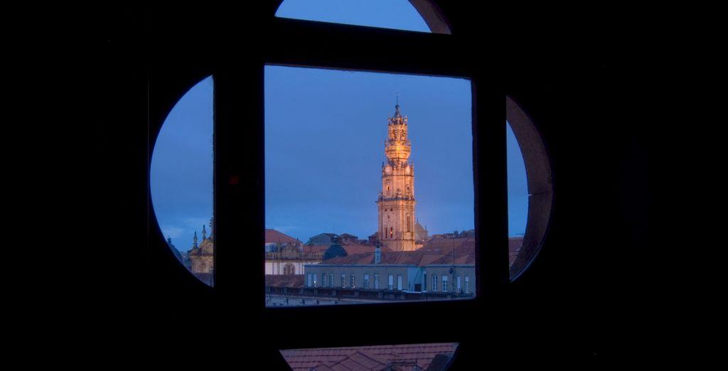 Alójate en el casco histórico de Oporto
