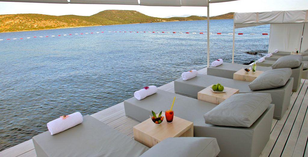 Un hotel a orillas del mar Egeo