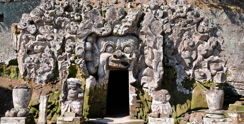 Goa Gajah, la cueva del elefante a las laderas del monte Agung