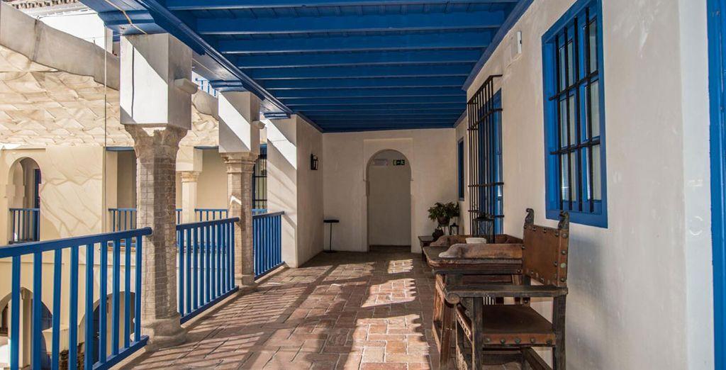 Hotel Boutique Las Casas de la Judería 4* ofrece cuartos amplios
