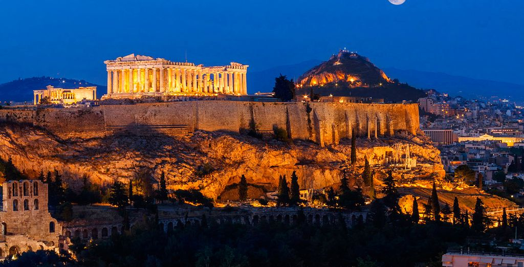 El Acrópolis preside la ciudad de Atenas