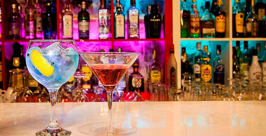 Tómese su copa favorita en el coktail-bar Candil