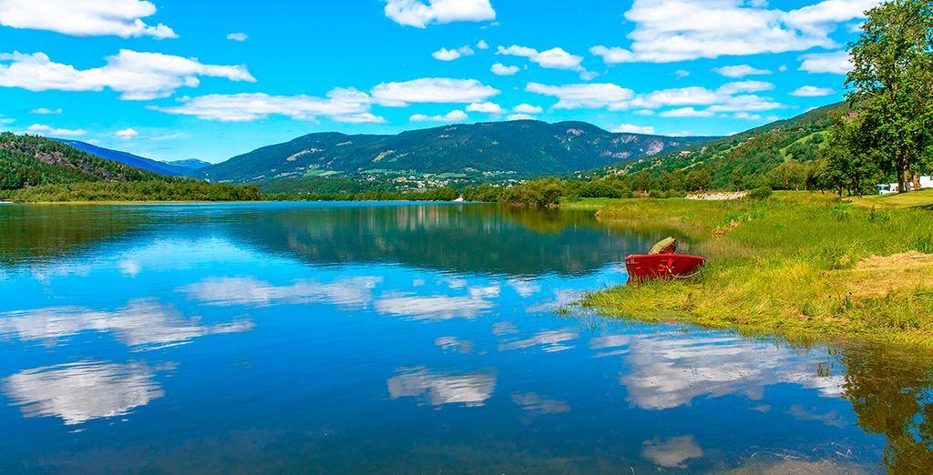 Nos adentraremos en la Noruega auténtica mediante el lago más grande del país, el Mjosa