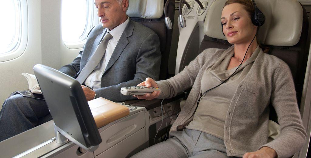 Los asientos disponen de toma de corriente y de sistema de entretenimiento personal de alta calidad
