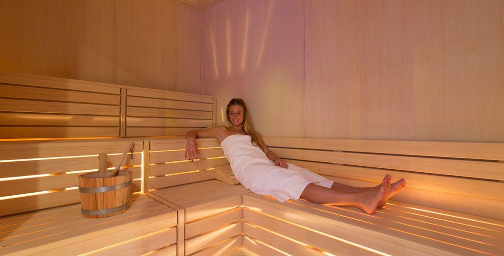 Relájese en la sauna