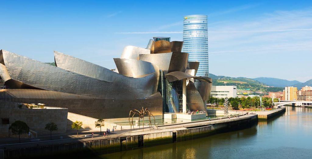 El hotel se encuentra a escasos metros del museo Guggenheim. ¡Todo un lujo!