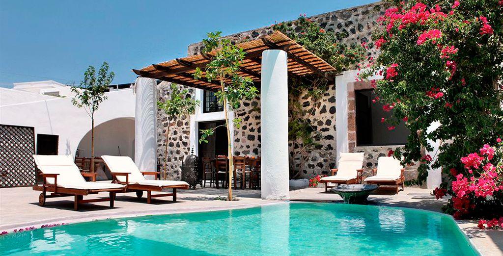 Villas & Mansions of Santorini