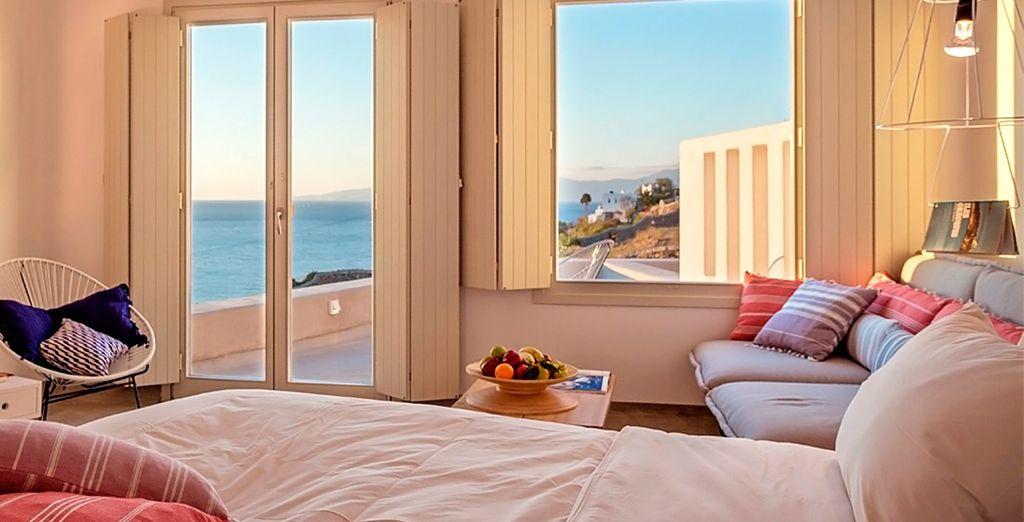 Disfrute de una Suite Deluxe con maravillosas vistas al mar