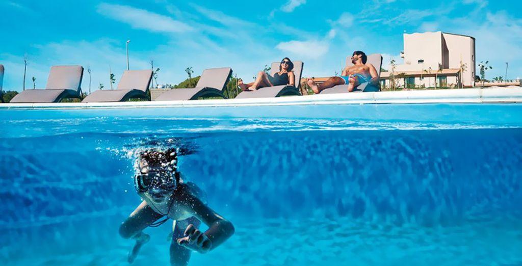 Refrésquese en sus piscinas al aire libre