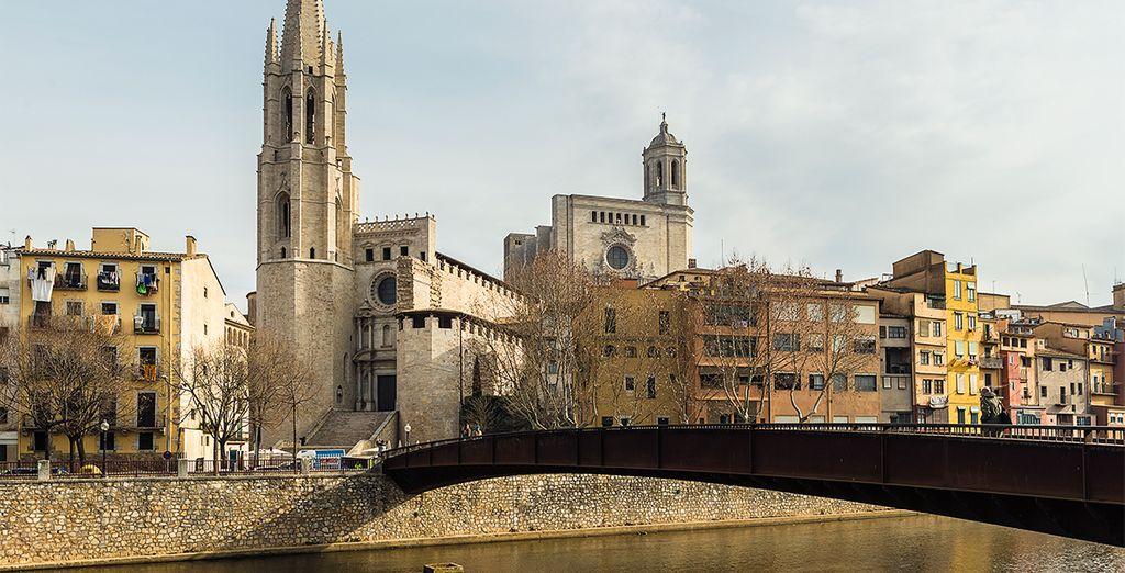 Girona, casas pintorescas de la orilla del río